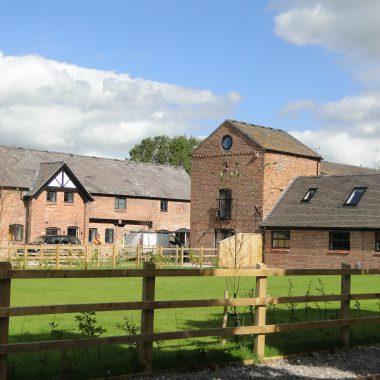 Moss Farm Barns, Stapleford
